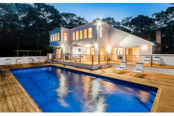 NEWLY RENOVATED BRIGHT, WHITE CONTEMPORARY WITH POOL IN NEAR NW